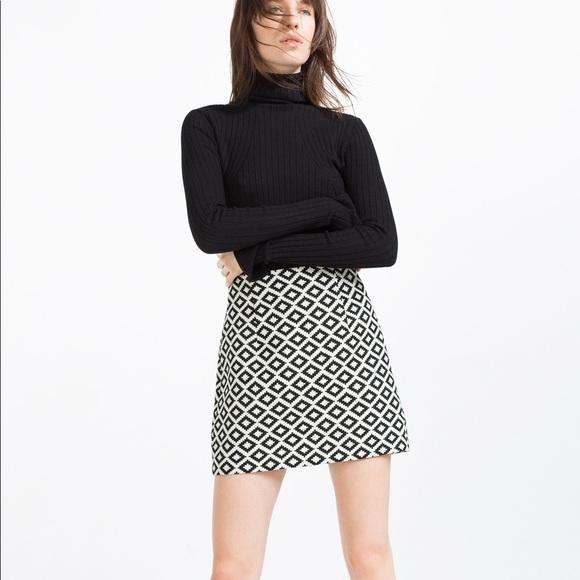 bbad758d7b5480 Zara Skirts   Nwt Black White Diamond Jacquard Mini Skirt   Poshmark